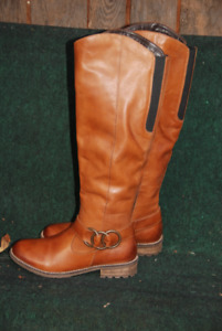 WOMEN'S LEATHER FALL, TALL BOOTS,SIZE 6,NEVER WORN,REMONTE,
