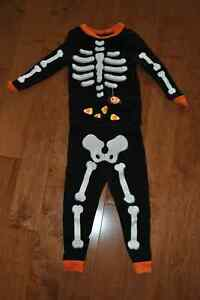 Glow in the Dark 2 piece Halloween Skeleton Sleepwear Set