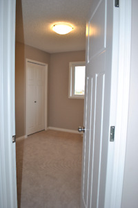 1 Room Available in a New House in West Edmonton