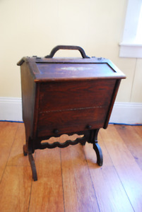 Sewing Box/Stand