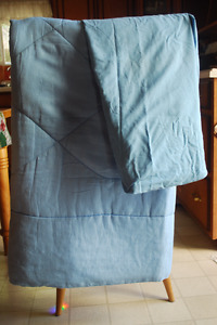 fitted sheet and comforter