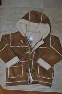 Old Navy Brand Faux Leather and Fur Lined Jacket Zip Up 4T