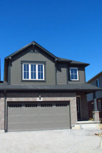 Gorgeous Student Home on Winterberry!! **ALL INC**