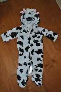 Old Navy Brand Cow Costume for Baby 3-6 Month Size Peterborough Peterborough Area image 1