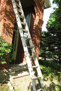 Moving- 22 Foot Very sturdy Extension Ladder, Exc Cond