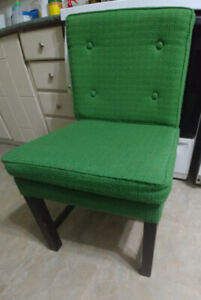 5 green dining room chairs