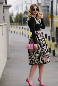 NEW ! Beautiful floral skirt