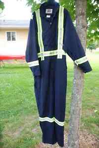 Flame resistant COVERALLS MENS L GELIGET BRAND worn twice