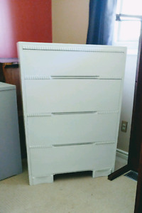 1960 solid wood dresser with 4 deep drawers,