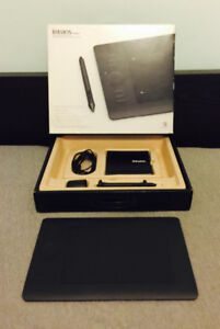 Intuos 5 Touch Professional Drawing Tablet - Small