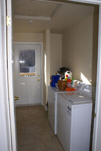 All inclusive! Near transit, laundry and parking on site Peterborough Peterborough Area image 7