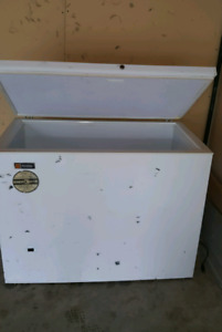 General electric small freezer