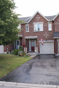 PERFECT FAMILY HOME FOR RENT IN BRIDLEWOOD (KANATA)