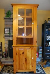 Solid Pine China Cabinet hand crafted by Menonites.2 pieces