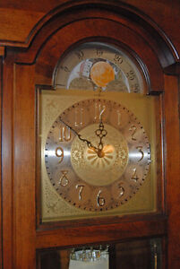 Mint Condition Grandfather clock Howard Miller U.S.A. Moon Dial
