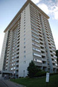 2 bed, 1 bath 9th floor Condo available w/all inclusive and pool