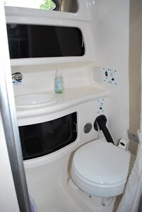 2005 Chaparral 260 Signature well maintained, new enclosure Belleville Belleville Area image 7