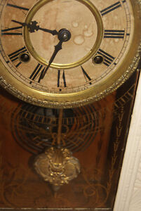 1890S ANTIQUE GINGERBREAD CLOCK BY WATERBURY CLOCK CO West Island Greater Montréal image 2