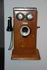 1915 NORTHERN ELECTRIC WALL MOUNTED TELEPHONE WITH ROTARY DIAL