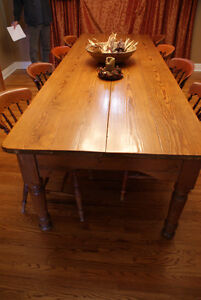 Pine harvest table, refinished top, mid 19th century Cornwall Ontario image 3