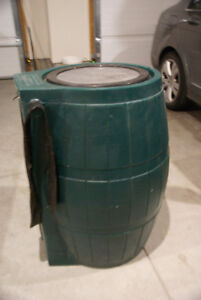 Rain Barrel With Flat Back 54 gallons Capacity - Green