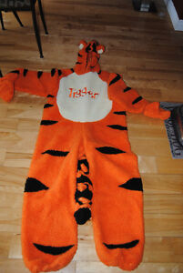 Almost New Adult Tigger Costume (Small)