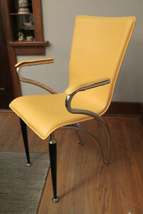 Retro looking yellow leather chair Kitchener / Waterloo Kitchener Area image 1