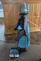 Ladies golf bag, clubs and shoes for sale.