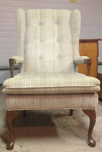Arm Chair in Excellent Condition Kingston Kingston Area image 1