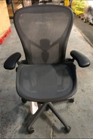 Herman Miller Aeron Remastered SIZE C with tags (brand new)