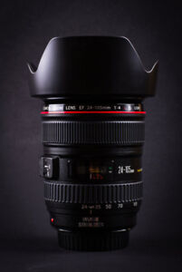 new canon EF 24 105 L IS USM zoom lens with hood