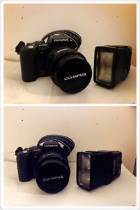 Olympus e-500 digital camera with lens and flash. Mint condition