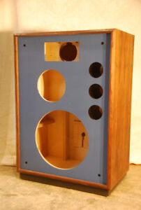Speaker cabinets, professionally custom built for you