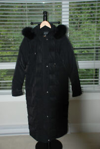 ON SALE London Fog Ladies' Winter Coat (new, fox fur, full lengt