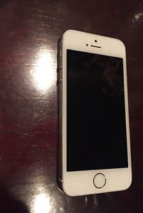 iPhone 5S 16Gb White Silver Rogers/Chatr Excellent Condition