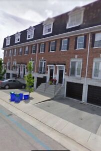 TOWNHOUSE FOR RENT - 3 BED & 3 BATH
