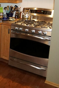 GE Profile Gas Stove / Range - Stainless - excellent condition