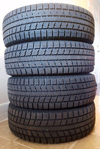 4 TOYO Observe Winter tires like new - GSi-5  205/70R15