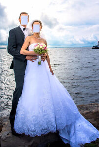 AMAZING WEDDING DRESS - ROBE DE MARIAGE SMALL / PETIT West Island Greater Montréal image 5