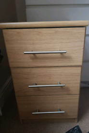 Warm Oak 3 Drawer Bedside Table/Cabinet/Chest of drawers