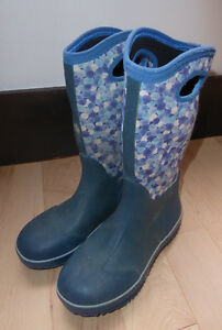 KAMIK Bogs-style boots, youth size 2, good condition