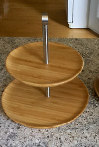 Tiered bamboo service plate set