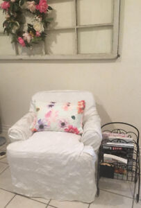 small arm chair / petite fauteuil