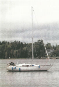 30 ft Fiberglass Sailboat with Yanmar Diesel Engine
