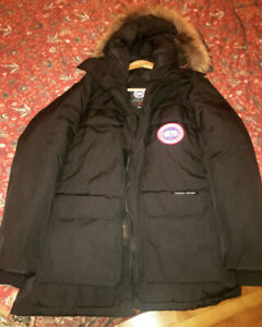 /- Canada Goose  Brand New MEDIUM for Men -\