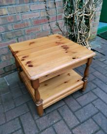 Pine coffee / lamp table