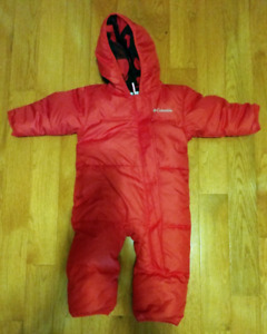 Columbia snowsuit for baby. 6-12 monts