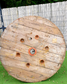 Huge cable reel top pr5 area upcycle coffe table outside bar, garden e