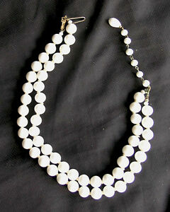 Choker-White faux pearl Beads (Cosmetic) Vintage