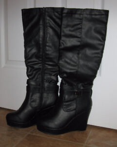 WEDGE WOMEN BOOTS SIZE 8 FIT REGULAR 7 BRAND NEW !